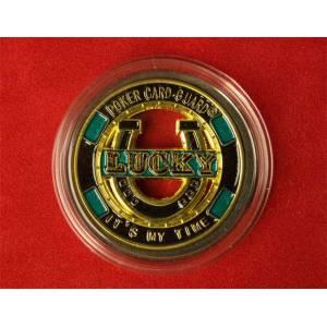 Card Guard LUCKY GOLD - 50 mm – dans son protège jeton en plexiglass